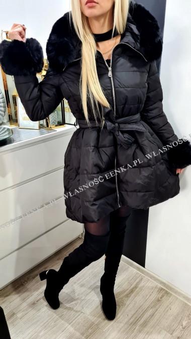 Płaszcz Rozkloszowany Futro Czarny