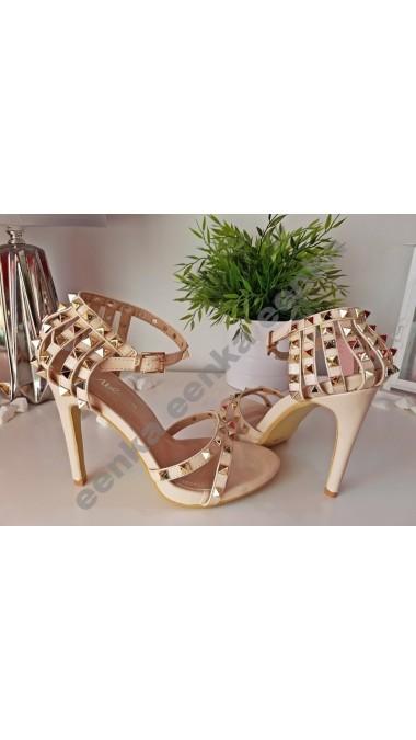 Sandały Ćwieki Beż